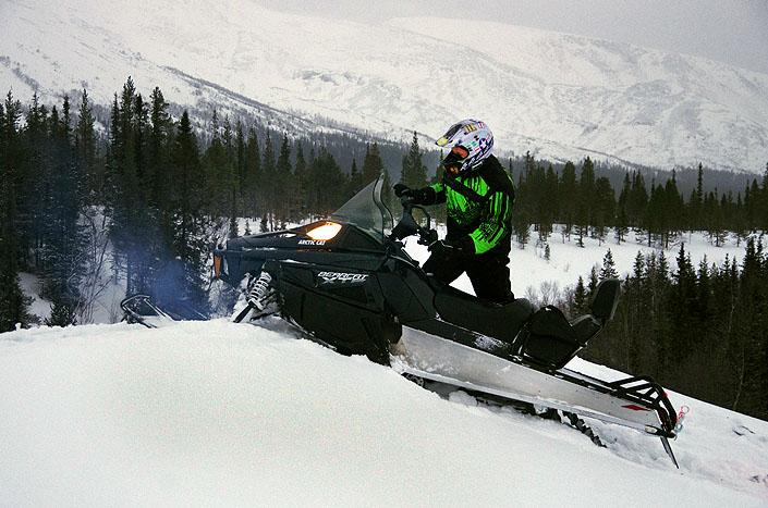 К нам поступили легендарные снегоходы ARCTIC CAT BEARCAT570 XTE