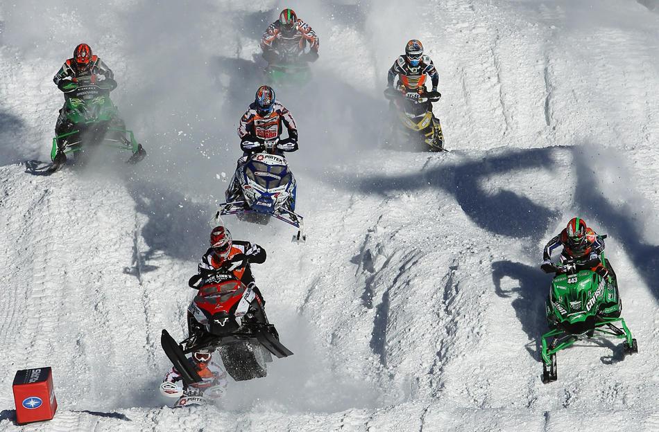 Профессиональный экстрим на снегоходах